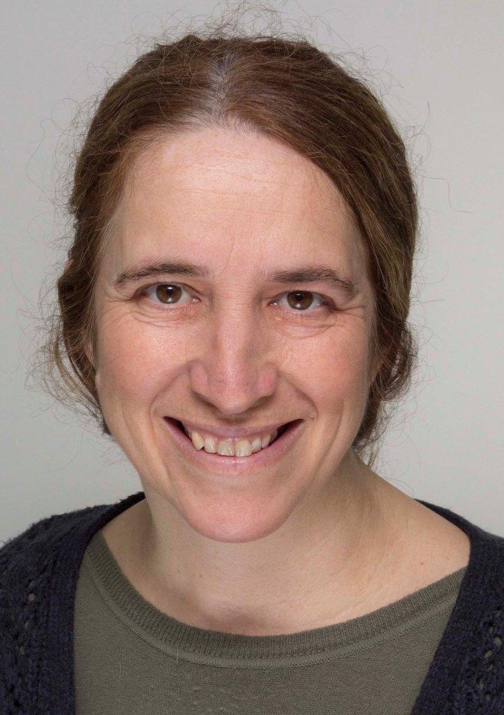 Ana Ricca, well-qualified English-Spanish translator based in Devon, UK